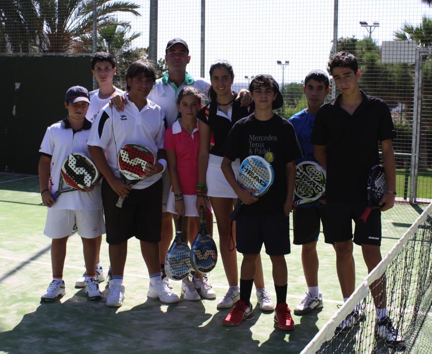 GrupoLatorre Éxito en el Clinic de menores del Club de Tenis de Almería