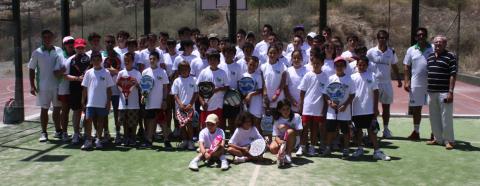 Imagen 21 e1311106442317 Éxito en el Clinic de menores del Club de Tenis de Almería