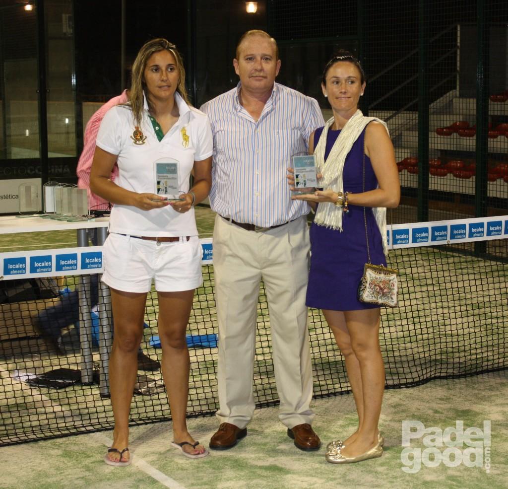 trofeo7 torneo locales almeria padelgood Finaliza el I Open de Pádel Locales Almería con victoria de Paquito Navarro y Xiki Cepero.