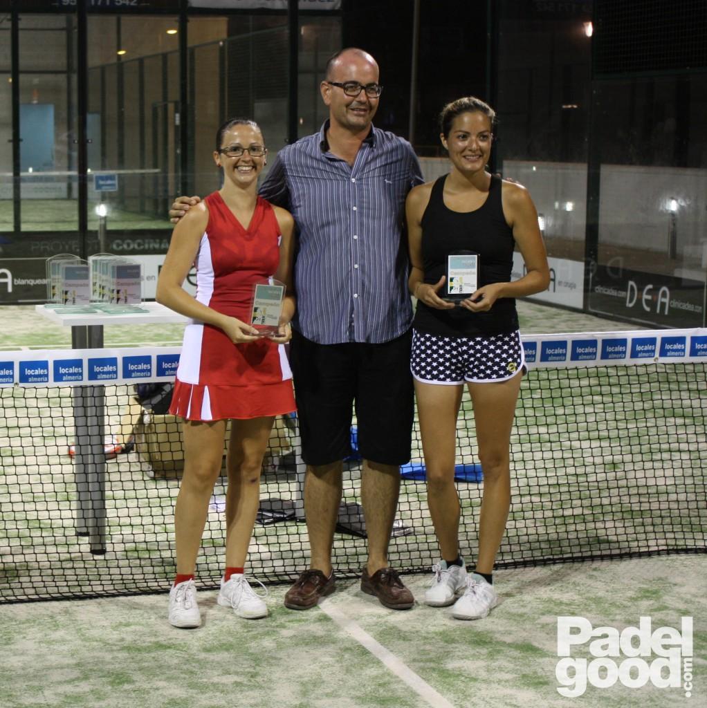 trofeo9 torneo locales almeria padelgood Finaliza el I Open de Pádel Locales Almería con victoria de Paquito Navarro y Xiki Cepero.